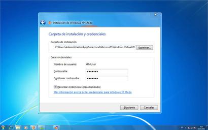Carpeta de instalación y pantalla de credenciales para la instalación de WindowsXP Mode